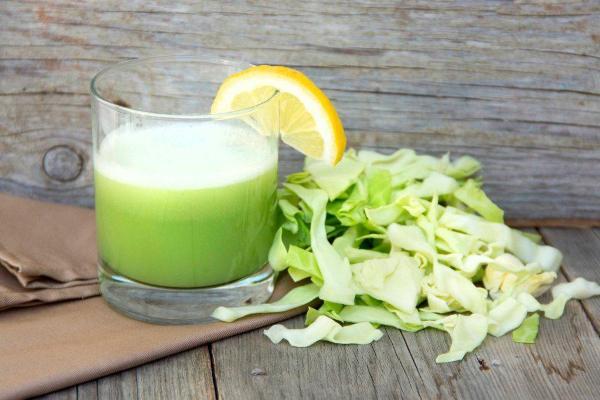 Свежий сок белокочанной капусты
