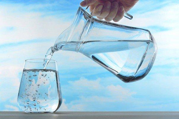 Необходимо выпивать около 2-х литров воды в сутки