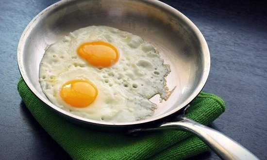 жареные яйца при гастрите