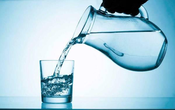 Стакан чистой воды фото