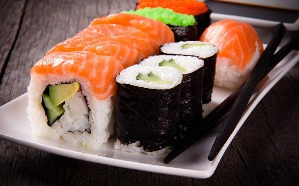 Роллы и суши при гастрите