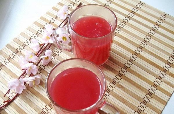 Кисель при панкреатите: какой лучше пить и в чем польза напитка