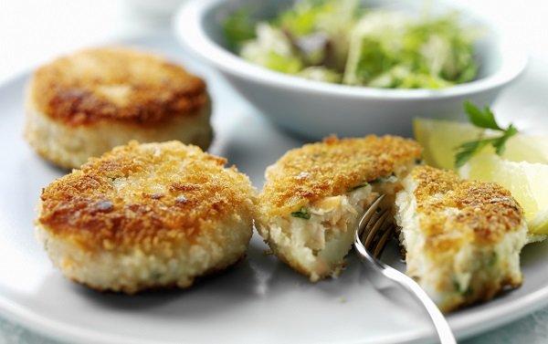 Рыба при панкреатите: польза, рекомендации и рецепты полезных блюд